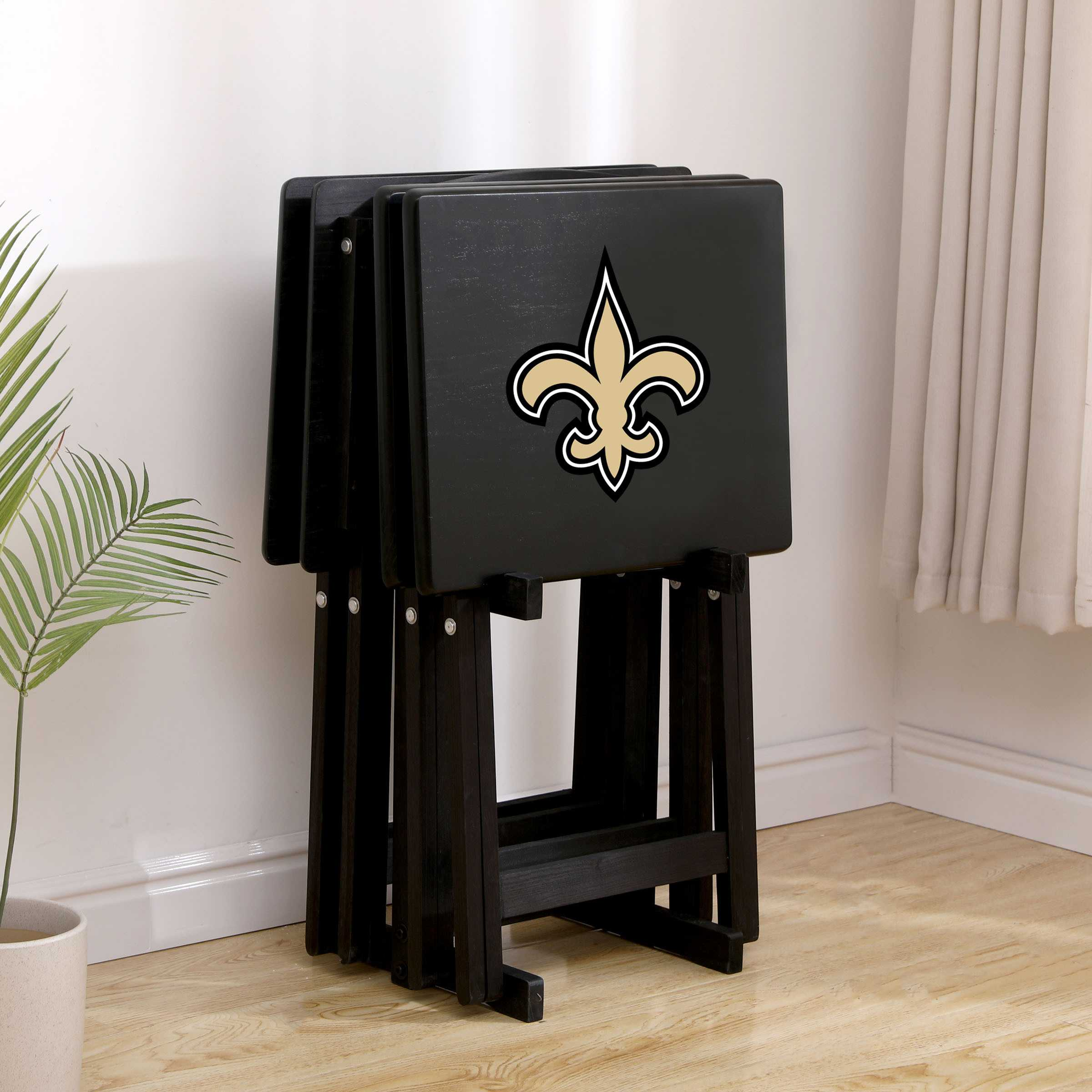 NEW ORLEANS SAINTS 4 TV TRAYS WITH STAND