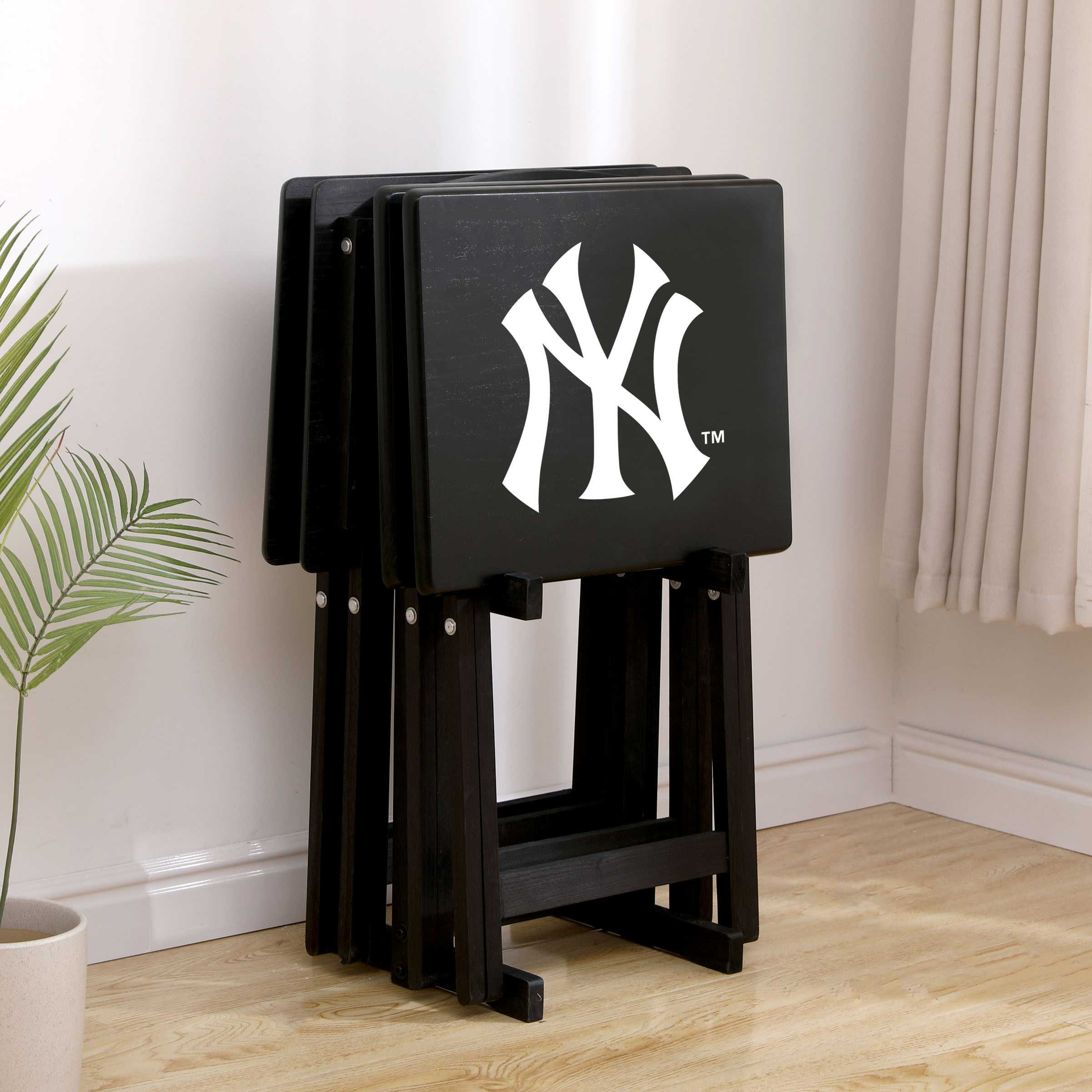 NEW YORK YANKEES 4 TV TRAYS WITH STAND